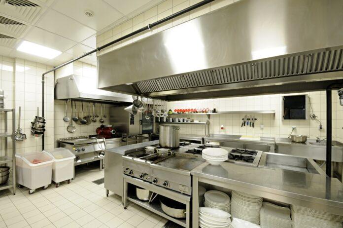 Nadstawki i elementy pomocnicze w gastronomii – przegląd rozwiązań