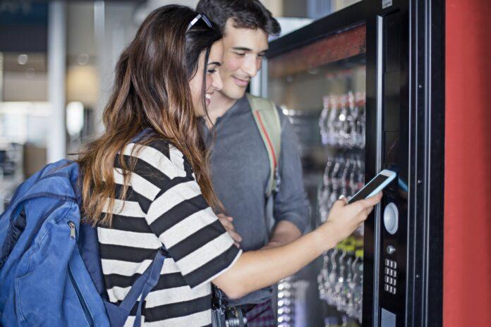 Automaty z napojami. Gdzie i kiedy się sprawdzają?